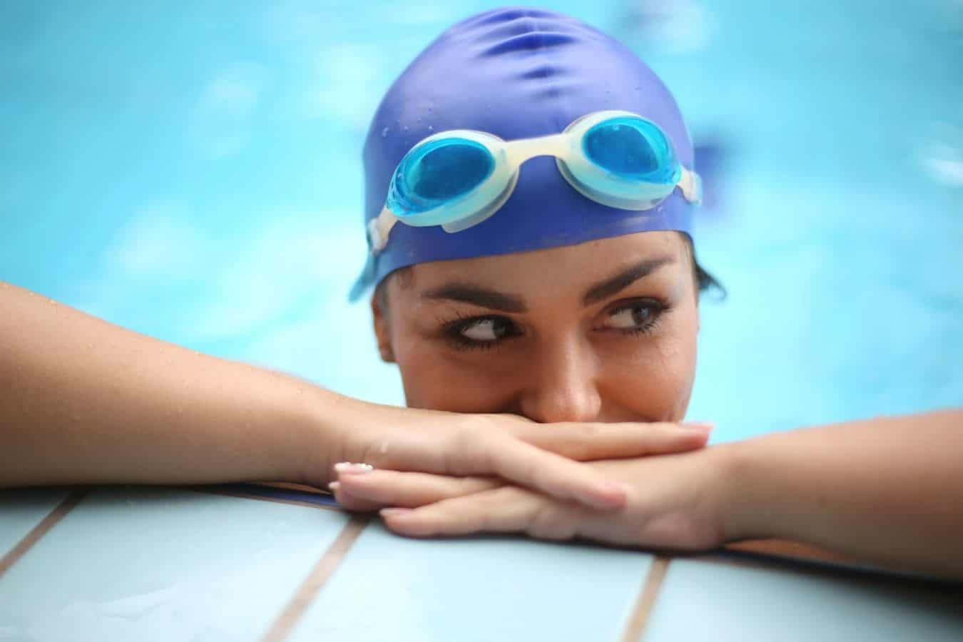 What Are The Pros And Cons Of Swim Caps