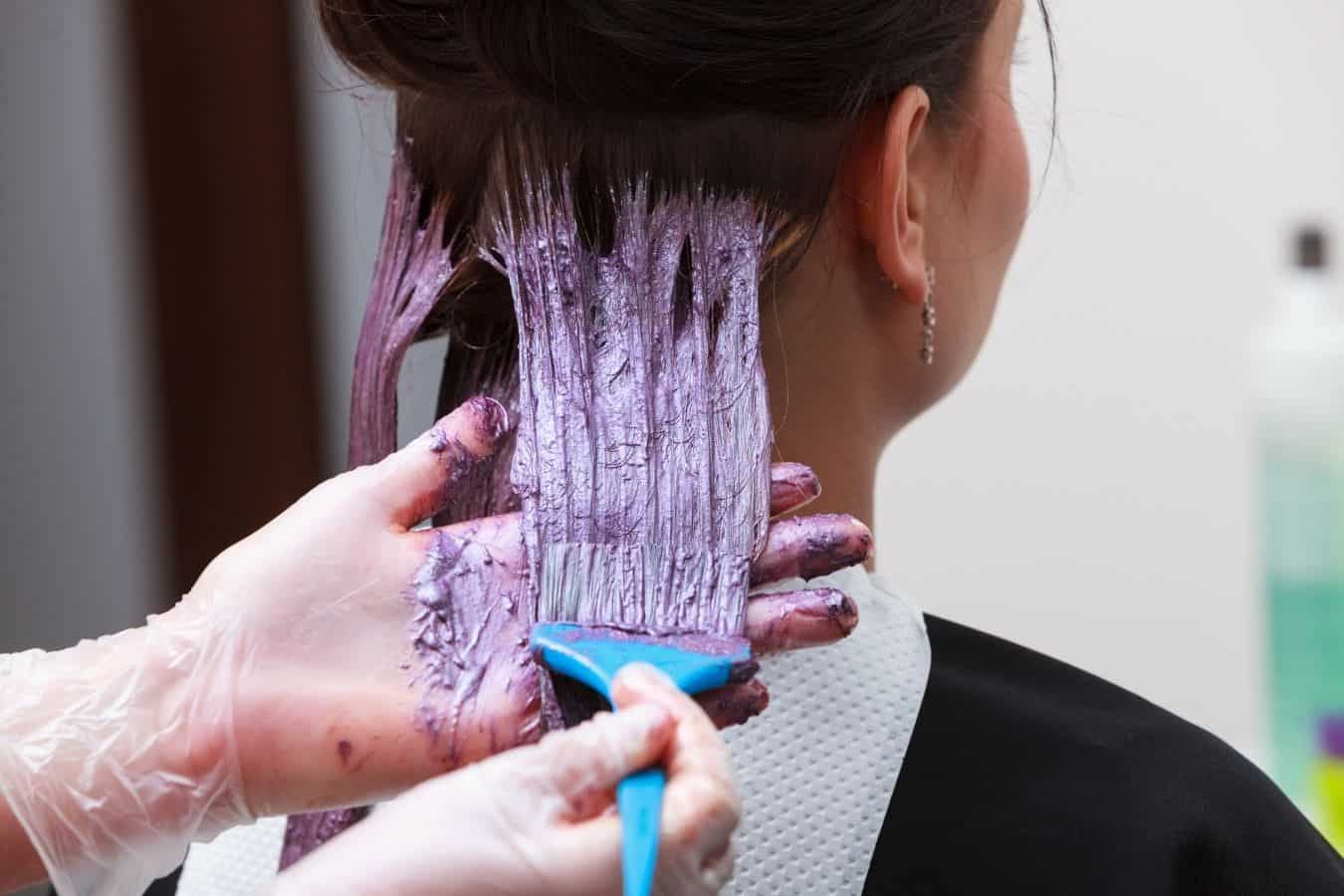 mix hair dye with conditioner