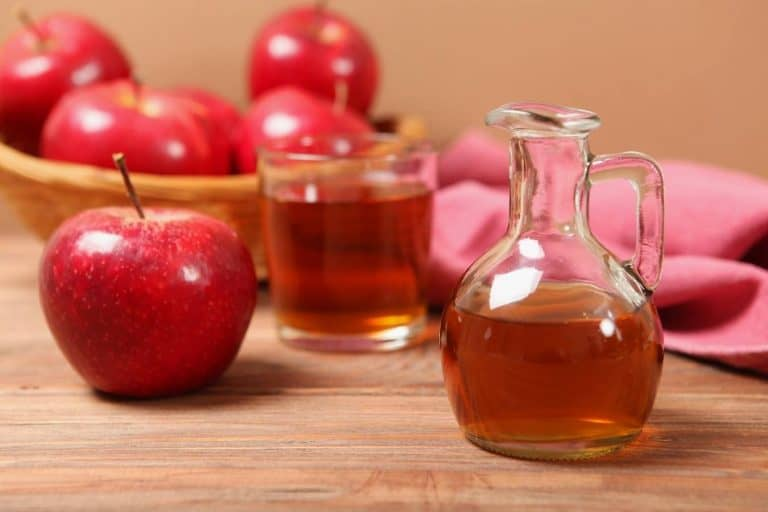 How To Use Apple Cider Vinegar On Gray Hair