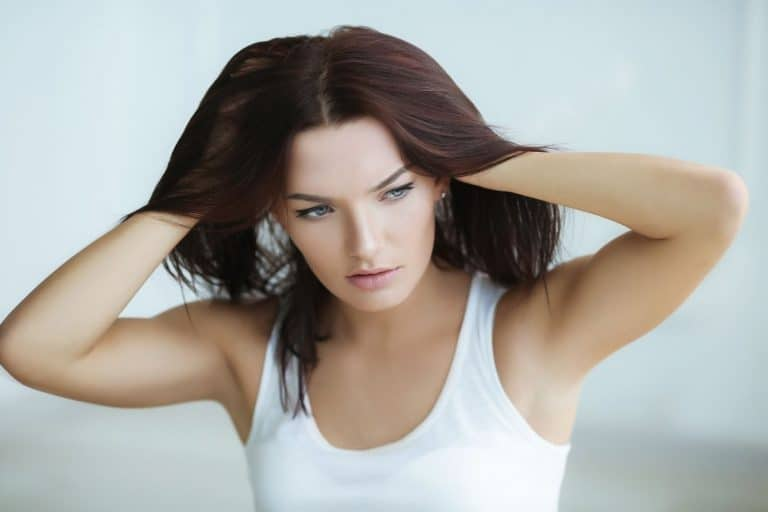 does oily scalp cause hair loss