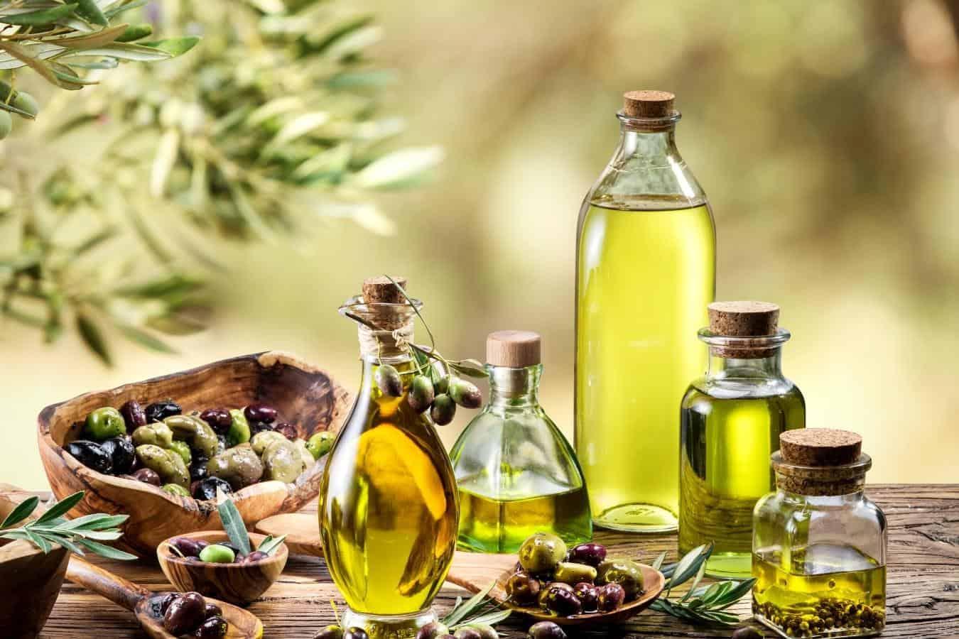 castor oil for curly hair